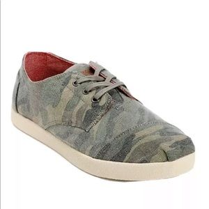Toms camouflage Camo lace up sneakers paseo